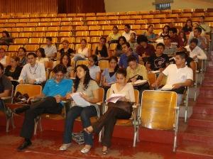 HH 101 Secc. 17-02  con el Padre Tamayo. 18 de agosto de 2009