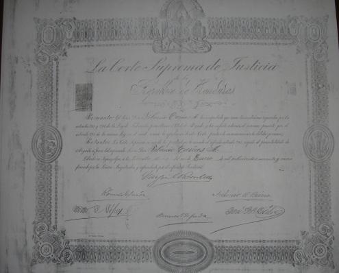 Titulo de abogado de Tiburcio Carías Andino, 1899